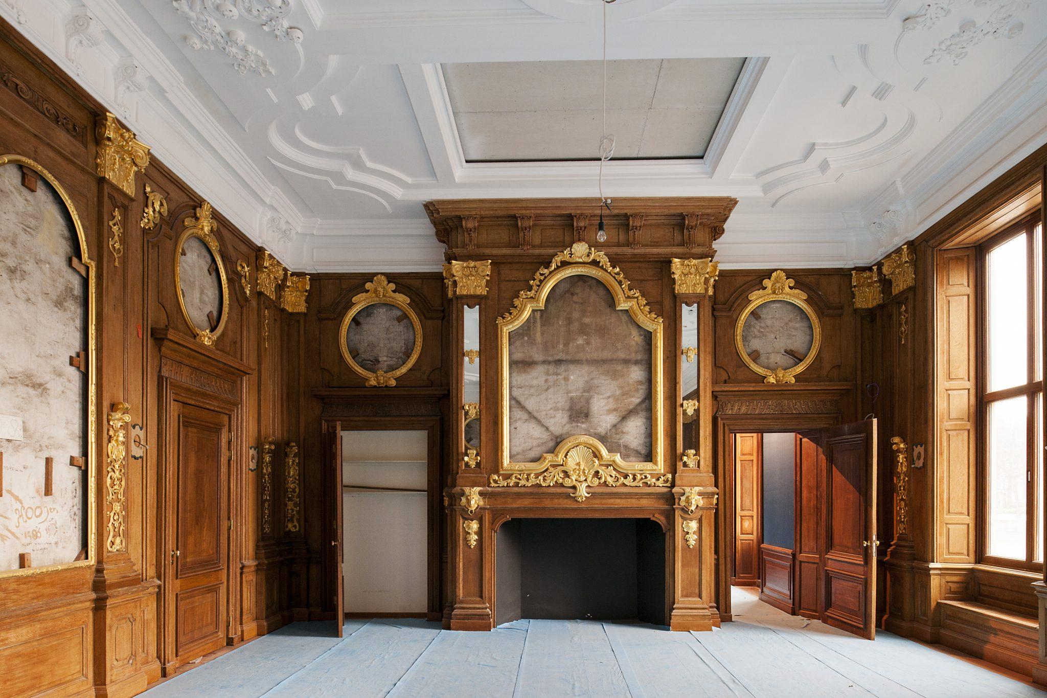 inmiddels is het mauritshuis een verzelfstandigd rijksmuseum met schilderijen uit de gouden eeuw en topwerken uit de 18de eeuw